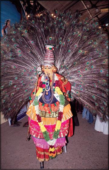 tamil folk dances  kummi  koaattam  kavadi and the kind
