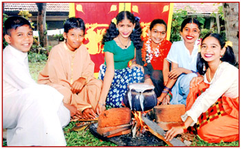 In Sri Lanka Celebrate Their New Year  Avurudu  Either On The 13th